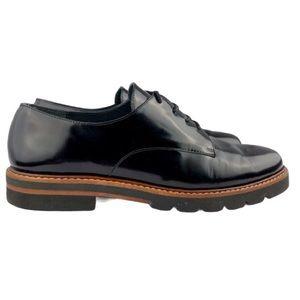 Stuart Weitzman Oxford patent leather shoes